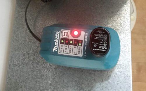 バッテリーは使用前に充電